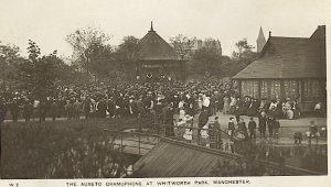 Auxeto demonstration in 1912 with large crowd.